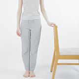 立つ動作で足と脚に影響(下半身)